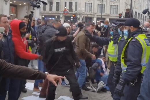 ببینید   دستگیر شدن بیش از ۶۰ نفر در اعتراضات علیه قرنطینه در لندن