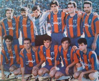 5500647 - عکس قدیمی و دیده نشده فرهاد مجیدی و فوتبالیستهای مشهور