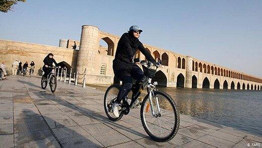 استفاده زنان از دوچرخههای اشتراکی در اصفهان ممنوع است/ مردان با کارت ملی دو دوچرخه اشتراکی میگیرند
