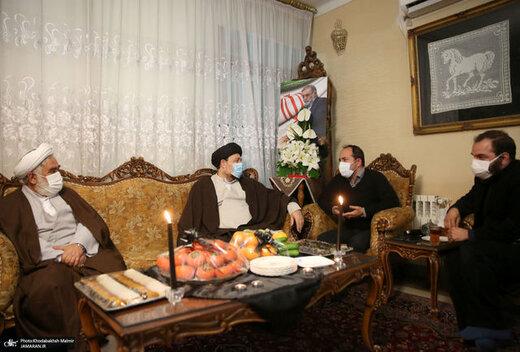 تصویر سیدحسن خمینی در منزل شهید فخری زاده، دانشمند ایرانی ترور شده