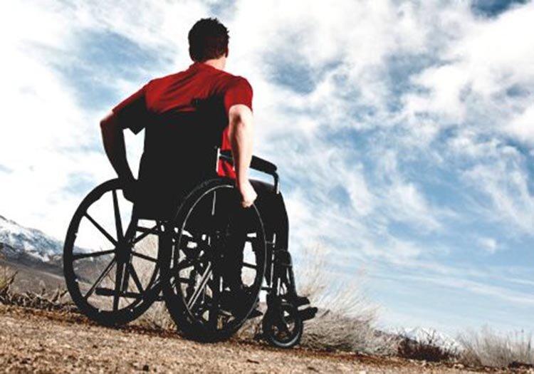 هنوز به معلولان و بیماران روانی واکسن تزریق نشده است/ آزردگی معلولان از صداوسیما