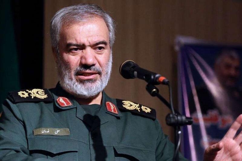 سردار سلامی: دشمن با ماهوارهها زمین ما را شخم میزند/ آمریکا به دنبال ایجاد توان بازدارنده در مقابل ایران است
