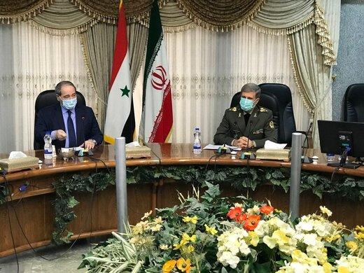 وزير الدفاع يؤكد على تصميم ايران للتعاون في إعادة اعمار سوريا