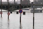ببینید | وضعیت عجیب مترو و معابر در پاریس!