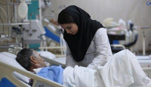 یک پرستار: همیشه میترسیم ناقل باشیم و خانواده خود را بیمار کنیم