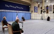 ترجمه آیهای که در دیدار رهبر انقلاب با خانواده سردار سلیمانی در حسینیه امام خمینی (ره)  نصب شده بود