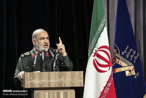 سرلشکر سلامی: اراده دشمن برای براندازی نظام اسلامی در هم شکست
