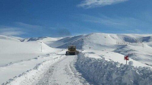 برف و کولاک ۱۰۸راه روستایی قزوین را مسدود کرد