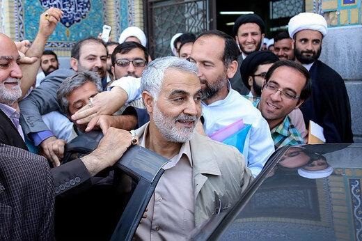 ببینید | تصاویر دیده نشده از حضور شهید حاج قاسم سلیمانی در میان مردم -  خبرآنلاین
