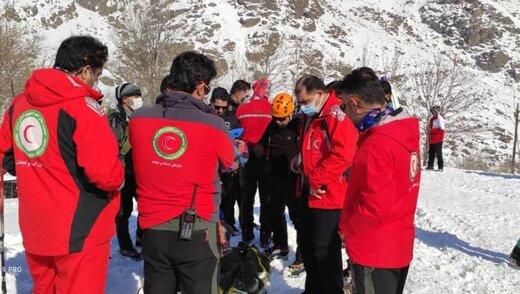 انتقال نخستین جسد کوهنوردان در ارتفاعات شمال تهران