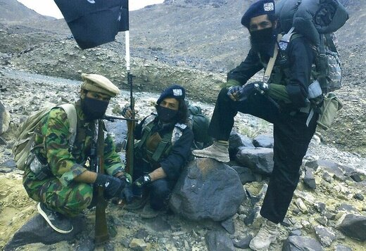 تروریست هایی که فقط در کوچه خلوت عرض اندام می کنند +تصاویر