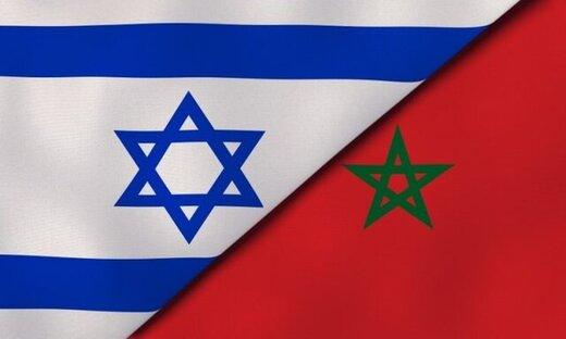 مراکشیها جای پای نماینده اسرائیل را شستند!/عکس