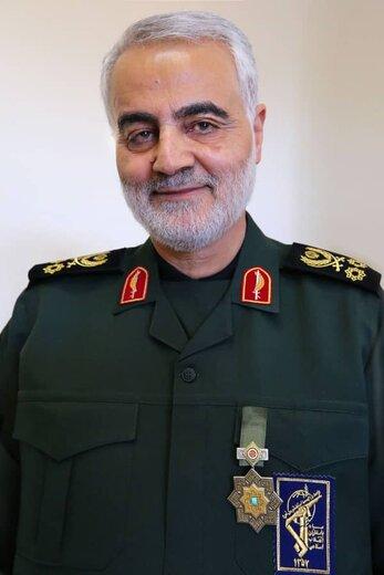 همرزم سردار دلها: شهید سلیمانی مکتب امام خمینی(ره) را احیا کرد
