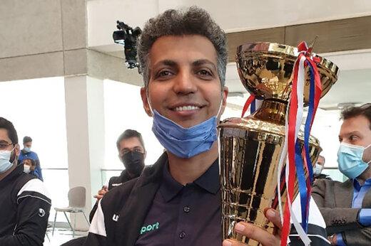 فردوسیپور:جایزه گرفتن از دست علی دایی حس دیگری دارد