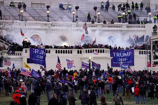 ببینید | انتقاد به برخورد دوگانه پلیس در قبال حملهکنندگان به کنگره