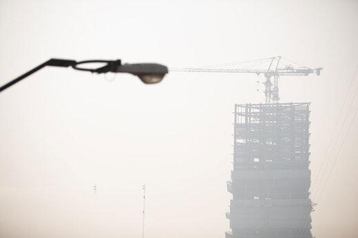ارتباط مستقیم بین آلودگی هوا و افزایش مبتلایان کرونا/ تهران تعطیل میشود؟