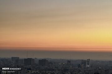 هوای تهران در مرز آلودگی/ تعداد روزهای پاک پایتخت