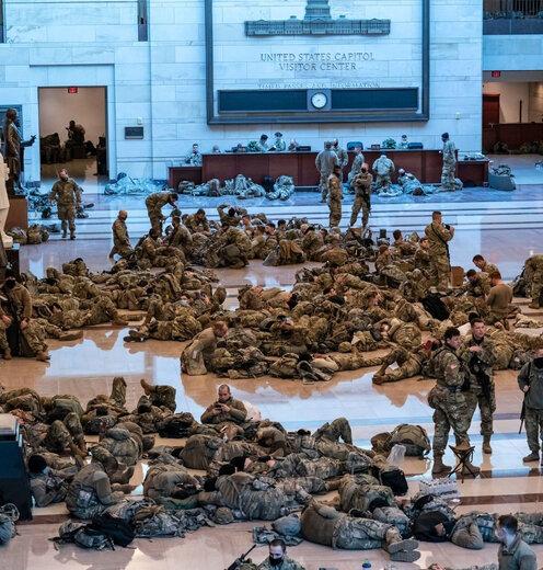 تصاویری از حضور نظامیان در ساختمان کنگره آمریکا
