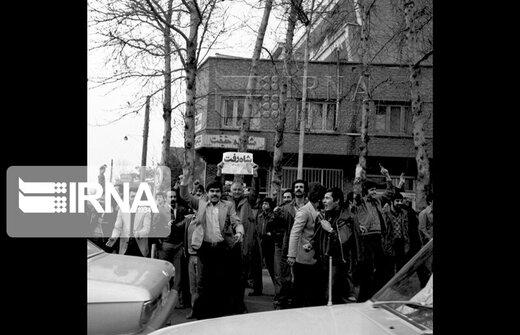 26 دی 1357 - فرار شاه از ایران