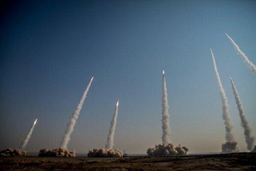 موشک باران سپاه در اولین روز رزمایش + عکس
