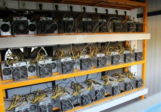 ۴۴ دستگاه ماینر استخراج ارز دیجیتال در بهارستان کشف شد