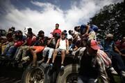 ده هزار مهاجر در حال حرکت به سمت آمریکا
