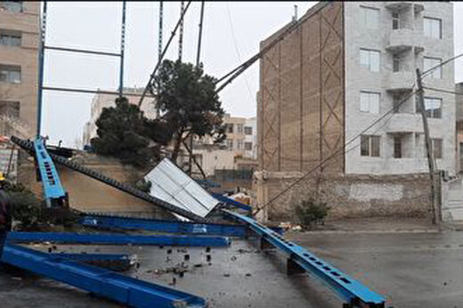 ببینید   خسارات باورنکردنی وزش باد به مشهد