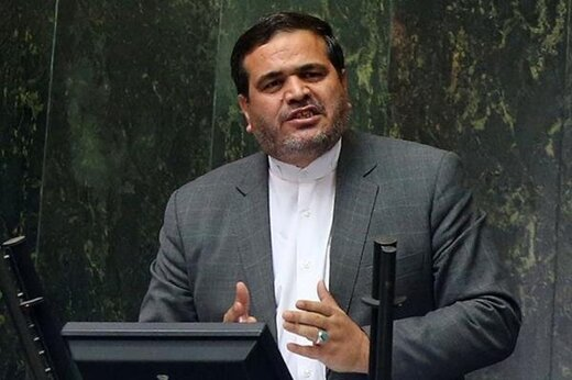 نماینده ای که به صورت سرباز سیلی زد در دولت احمدی نژاد چه سمتی داشت؟ +عکس