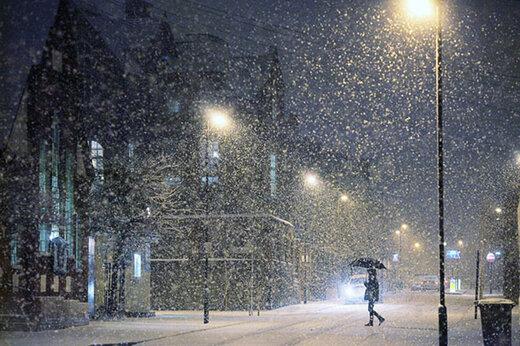 ببینید | بارش برف در لندن پس از چند سال انتظار