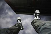 ببینید | سقوط دو دختر جوان روی سقف خودروی پلیس در گرگان!