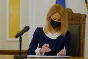 ببینید | قدرت در استونی به طور کامل به دست زنان افتاد