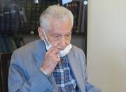 دیدار با نویسنده و مترجم سرشناس ایرانی در آستانه ۱۰۰ سالگی/ عکس
