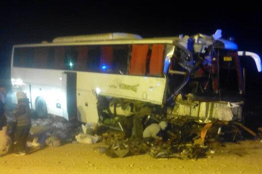 ببینید | تصاویر غمانگیز از برخورد اتوبوس و تریلی در محور آرادان به سرخه