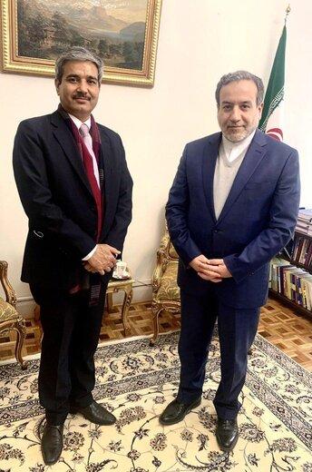 Iranian, Indian diplomats discuss bilateral ties