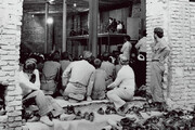 ببینید | عکسی تاریخی از مستضعفین و امام مستضعفین