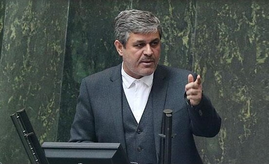 کنایه به مدیریت قالیباف بر مجلس /رد کردن بودجه در صحن و برگشت به دولت بدعت جدیدی است