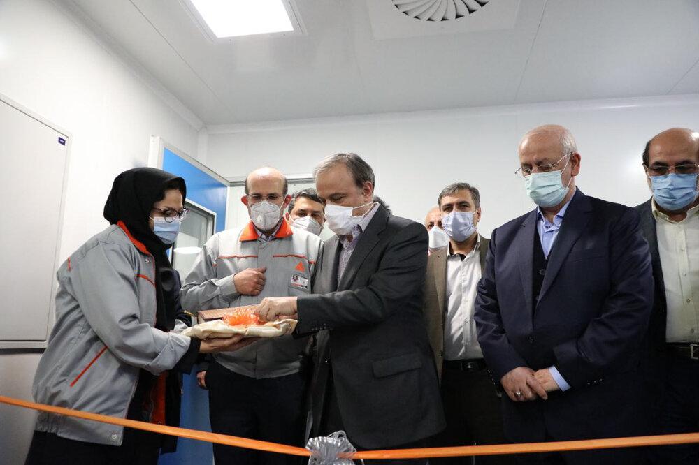 وزیر صنعت خط تولید کامپیوتر خودرو را افتتاح کرد | ایروانی: تولید دانش فنی در عظام با جدیت دنبال می شود