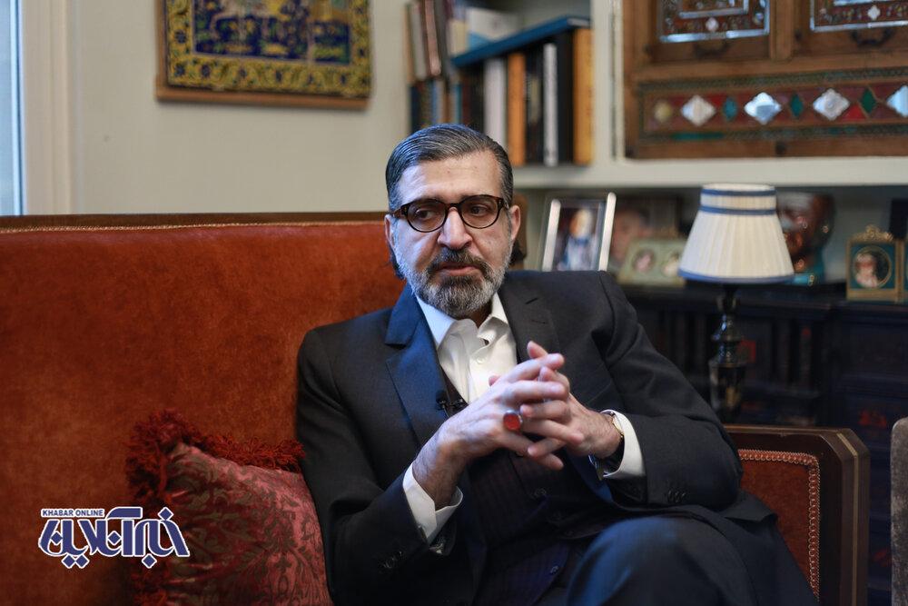 صادق خرازی: بلد نیستم کروات ببندم /مغز بهزاد نبوی مثل جوان ۲۰ساله کار میکند /احمدی نژاد فیک تاریخ است /قالیباف فقط با گروهبان ها کار میکند