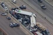 ببینید   تصادف زنجیرهای در تگزاس/ برخورد ۱۰۰ دستگاه خودرو و مرگ ۵ نفر