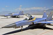ببینید   استقبال رهبر انقلاب از خلبانهای هواپیمای ایرانی صاعقه