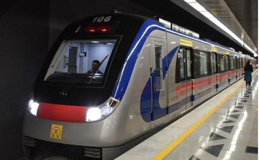 متروی تهران نیمی از مسافرانش را از دست داد/ ضدعفونی هر روزه قطارها در سه نوبت