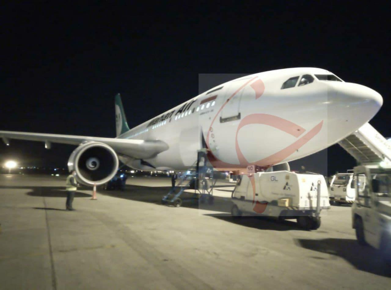 عکس | فرود هواپیمای حامل محموله دوم واکسن کرونای روسی به ایران