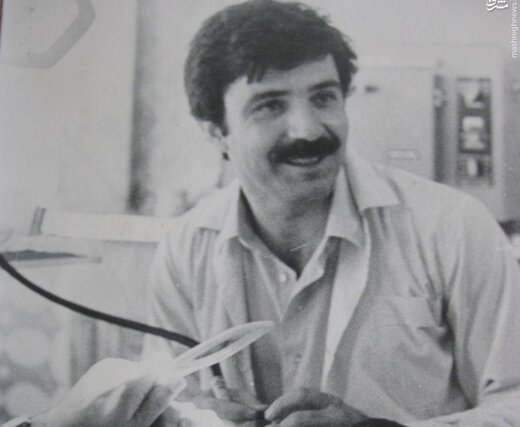 علی پروین در پاتوق ورزشکاران دندان خراب /عکس