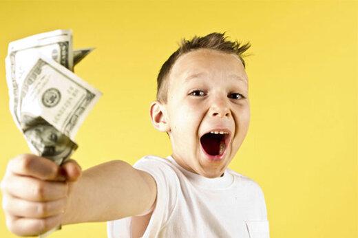 ببینید   کودکی که به همه چیز «نه» میگوید بجز «پول»!