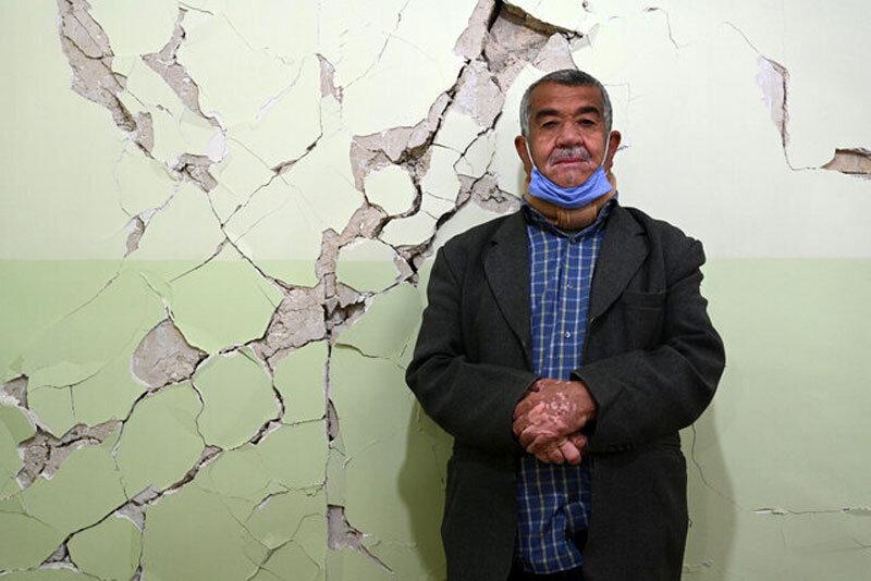 5533984 - تصاویر | روزهای سخت مردم زلزلهزده سیسخت