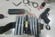ببینید | تجهیزات کشف شده از فرد تروریست در عوارضی تهران - قم