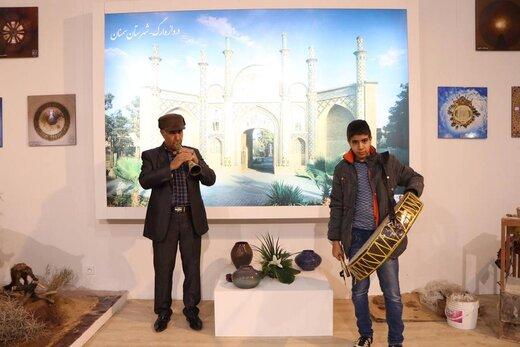 اجرای گروه موسیقی الیکایی گرمسار در نمایشگاه بینالمللی گردشگری تهران