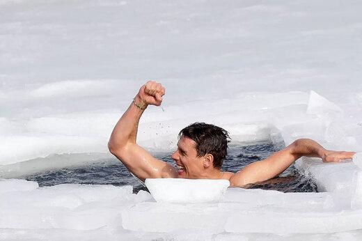 ببینید | شکستن رکورد شنا زیر یخ