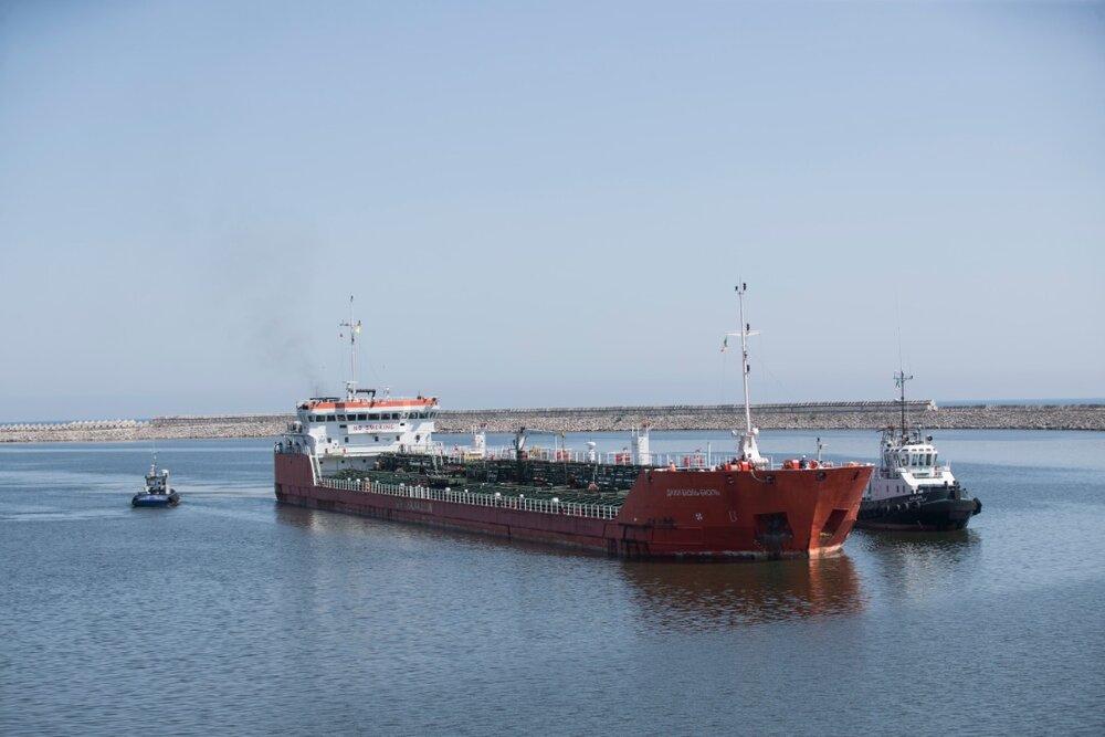 از ابتدای امسال ۵۳ کشتی تجاری از مسیر کریدور چین، قزاقستان، ایران در این بندر نسل سوم کشور پهلودهی شده اند