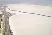ببینید | جدا شدن قطعه یخ عظیم در دریاچه میشیگان